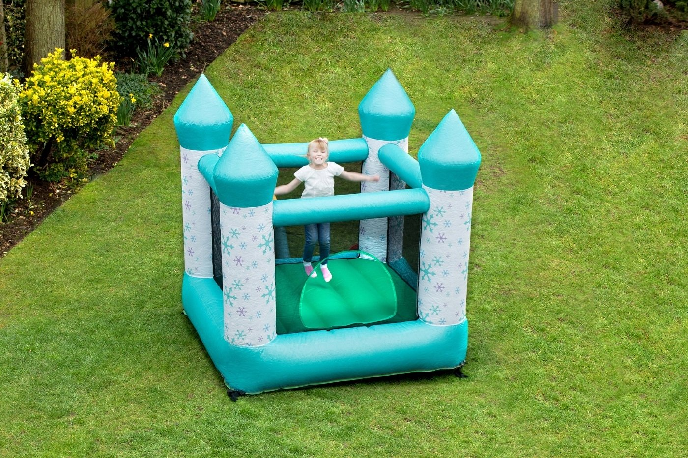 6ft x 6ft Snowflake Bouncy Castle